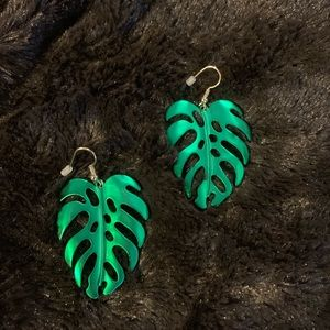 Forever 21 classic palm leaves drop earrings new